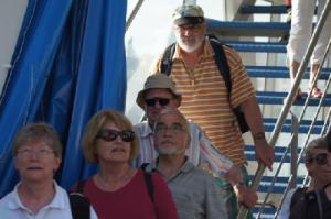 die Reisenden verlassen das Schiff