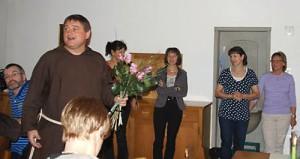 Der Guardian des Klosters, Br. Adrian, dankt der Küche und dem Service.