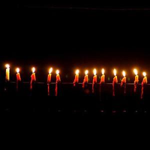 Interessanterweise brannte die weisse Kerze am längsten.