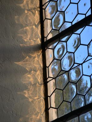 Fenster der Rückwand in der Klosterkirche.