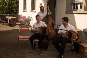 Mitglieder des Schwyzerörgeli-Clubs Jona umrahmen den Abend musikalisch