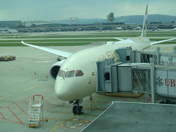 Das Flugzeug ist bereit und wartet.
