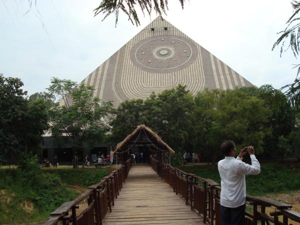 Hinduistisches Zentrum 4.10.15 039