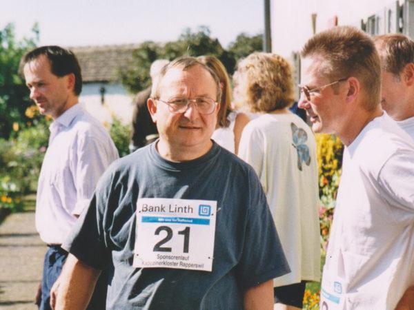 Josef Hollenstein, fachsimpeln mit Paul Matthis.